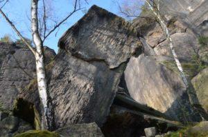 gigantischer Felsblock