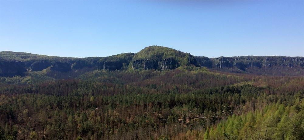 der Kleine Winterberg in der Bildmitte