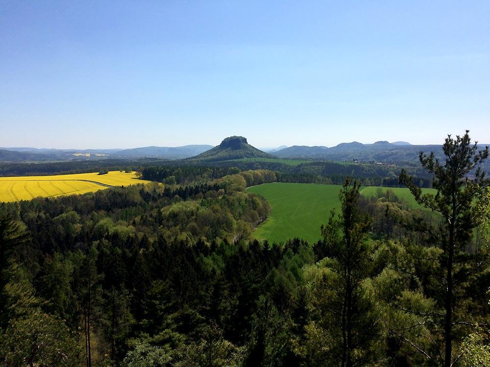 Blick in die linkselbischen Tafelberge